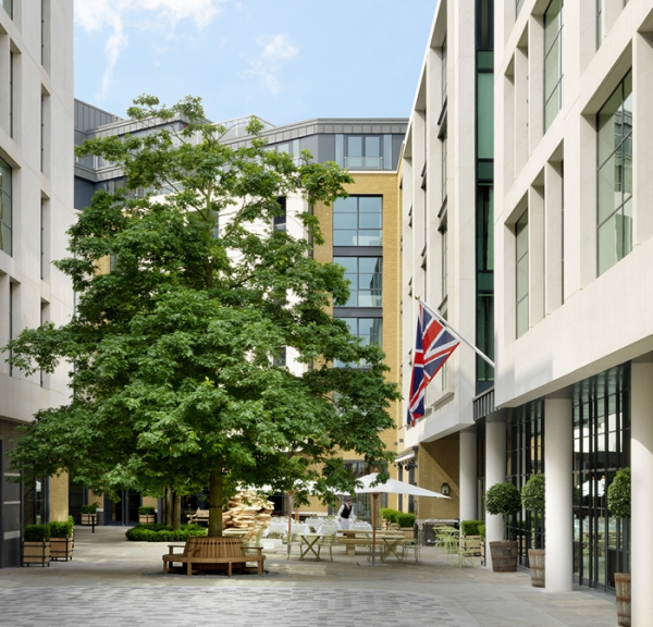 amazing hotel interiors in London (30).jpg