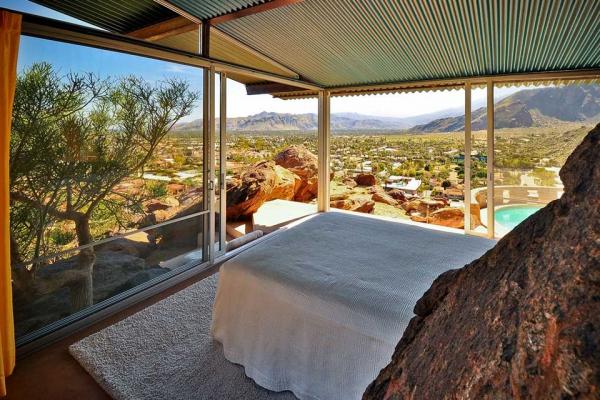 Modern desert home in California (2)