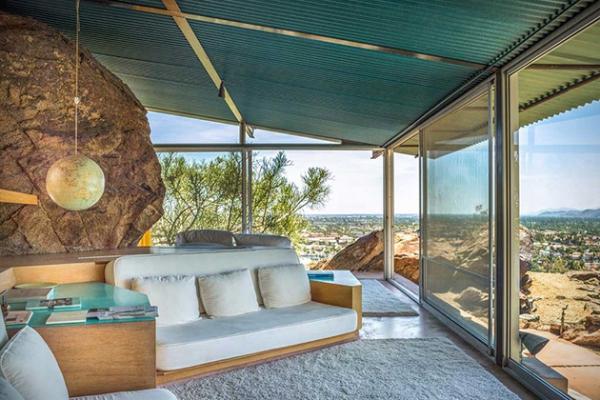 Modern desert home in California (4)