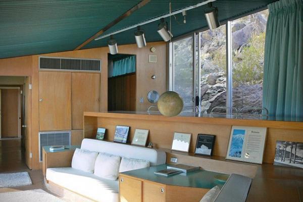 Modern desert home in California (7)
