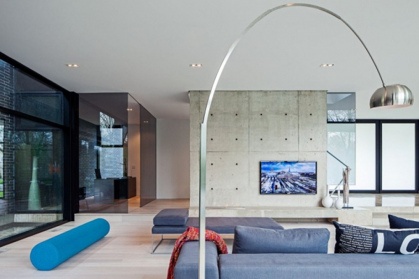 modern-glass-house-in-ontario-6