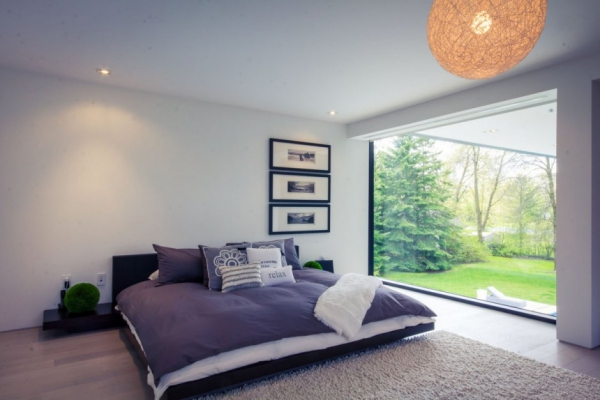 modern-glass-house-in-ontario-9
