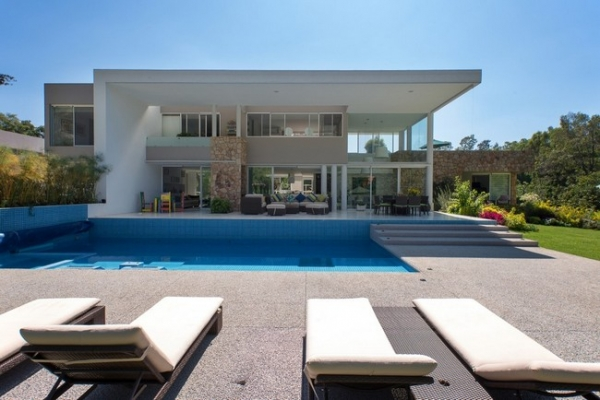 modern-interior-design-at-casa-del-viento-2