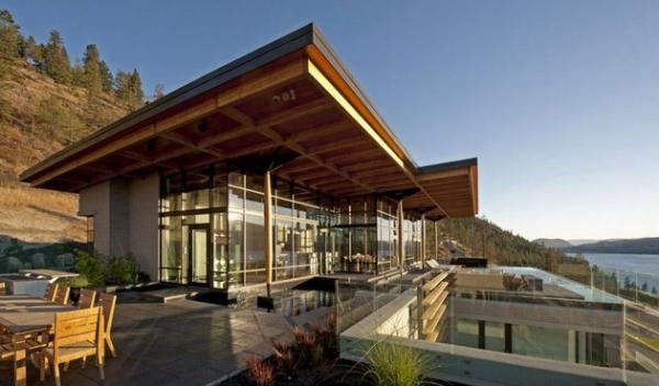 Modern lakeside house Kelowna Canada (1)