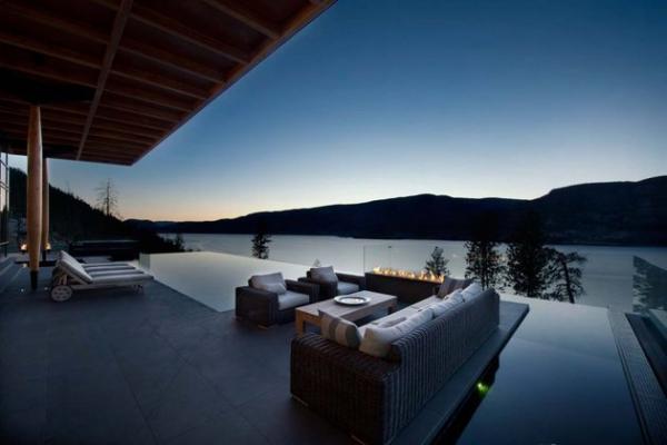 Modern lakeside house Kelowna Canada (19)
