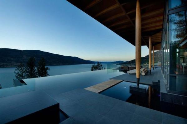 Modern lakeside house Kelowna Canada (20)