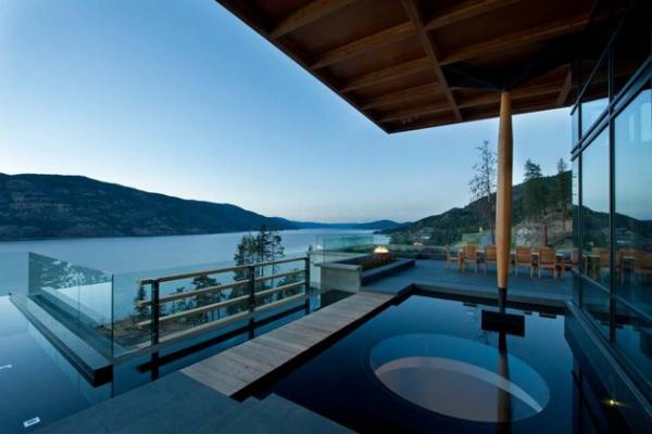 Modern lakeside house Kelowna Canada (21)