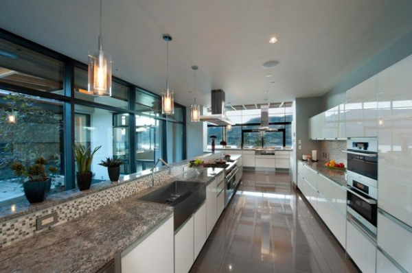 Modern lakeside house Kelowna Canada (7)
