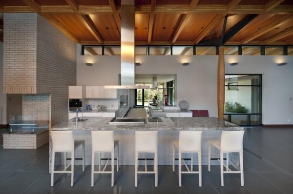 Modern lakeside house Kelowna Canada (9)