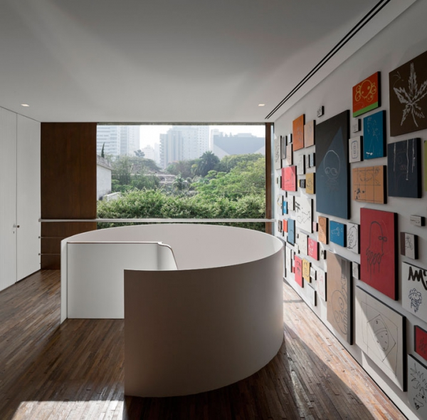 Modern minimalist house in Brazil (15)