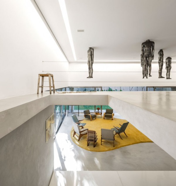 Modern minimalist house in Brazil (2)