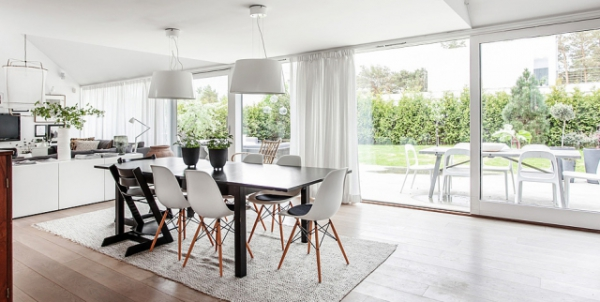 Modern Nordic house in black and white   (7)