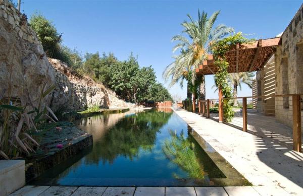 modern-stone-home-near-jerusalem-2
