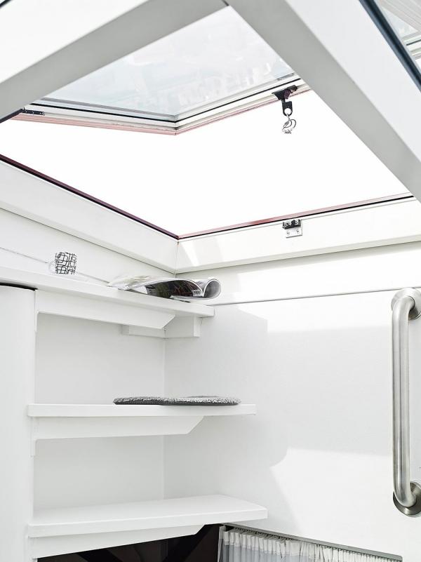 stunning white loft (10)