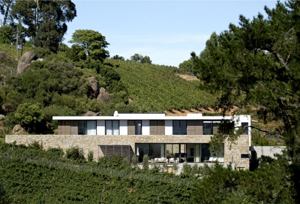 Modern vineyard villa in the Motherland  (1).jpg