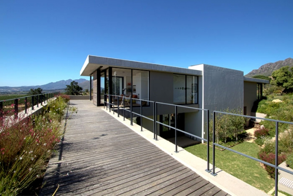 Modern vineyard villa in the Motherland  (11).jpg
