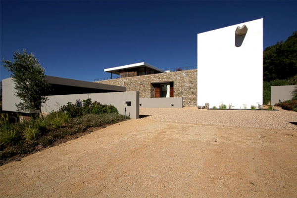 Modern vineyard villa in the Motherland  (14).jpg
