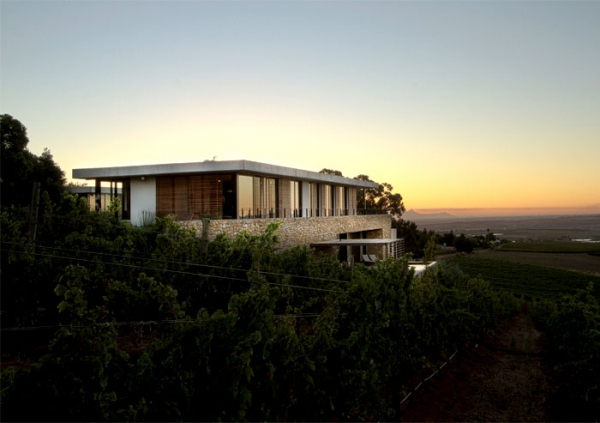 Modern vineyard villa in the Motherland  (16).jpg