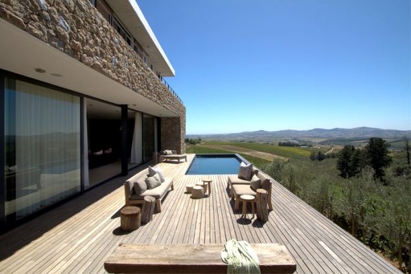Modern vineyard villa in the Motherland  (8).jpg