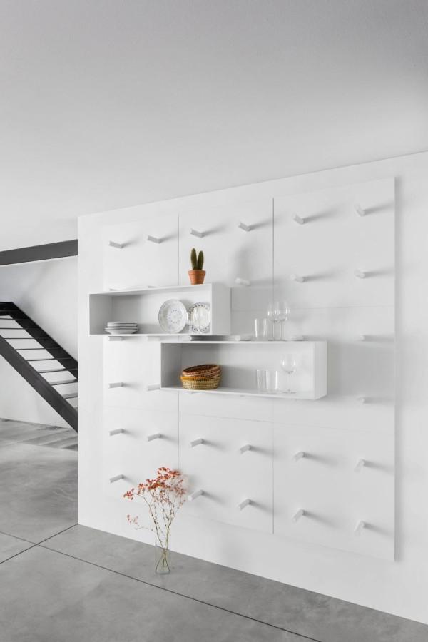 Modular storage wall by ARIS Architects (3)