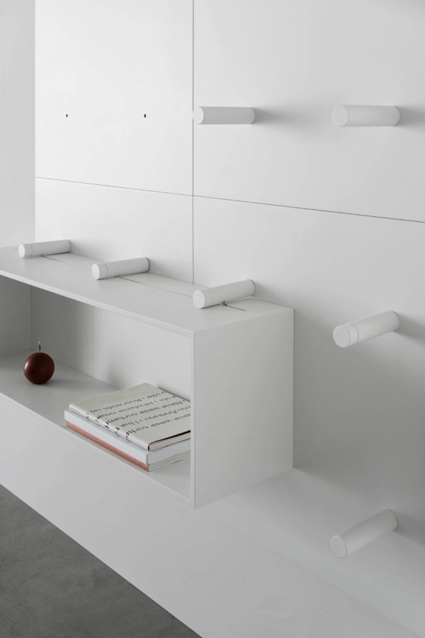 Modular storage wall by ARIS Architects (5)