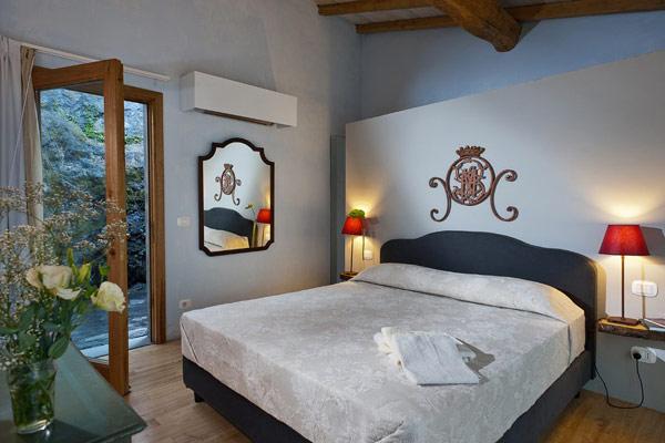 monaci-delle-terre-nere-boutique-hotel-13