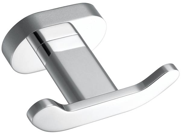 Must-have bathroom accessories (2).jpg