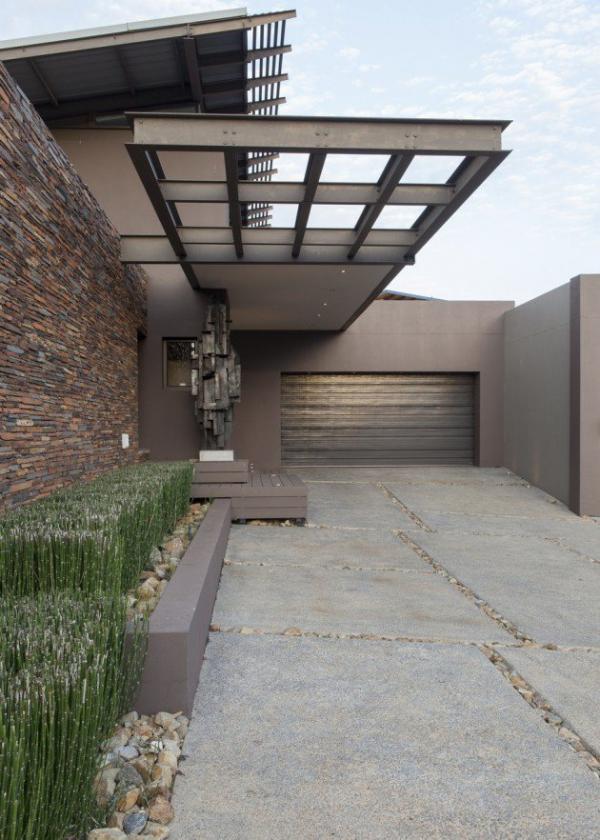 spacious modern house (18)