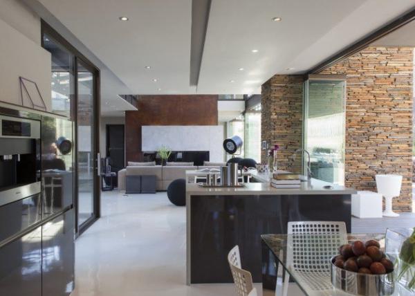 spacious modern house (7)