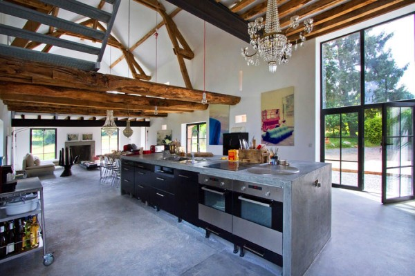 old-barn-converted-into-a-contemporary-family-home-4