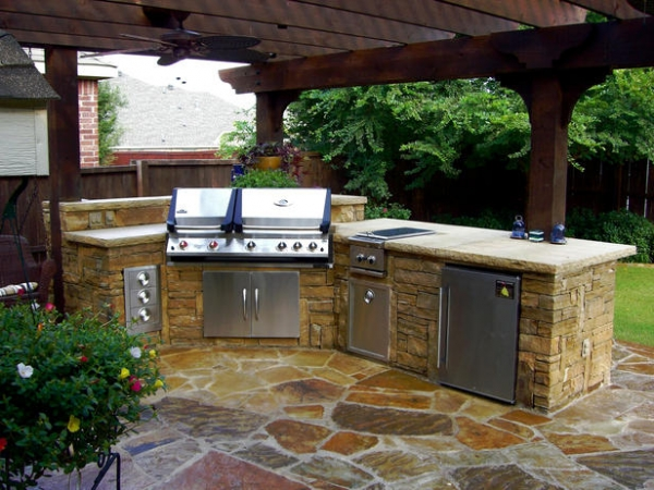 This space has Oklahoma flagstone, cedar, and stacked stone. The rough ...