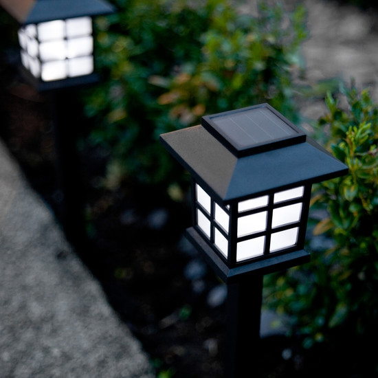 outdoor-lighting-ideas-perfect-for-your-back-garden-4
