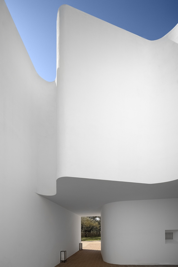 outstanding-hotel-architecture-1