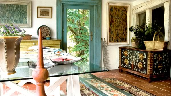 painted-interior-of-a-retro-house-in-france-14