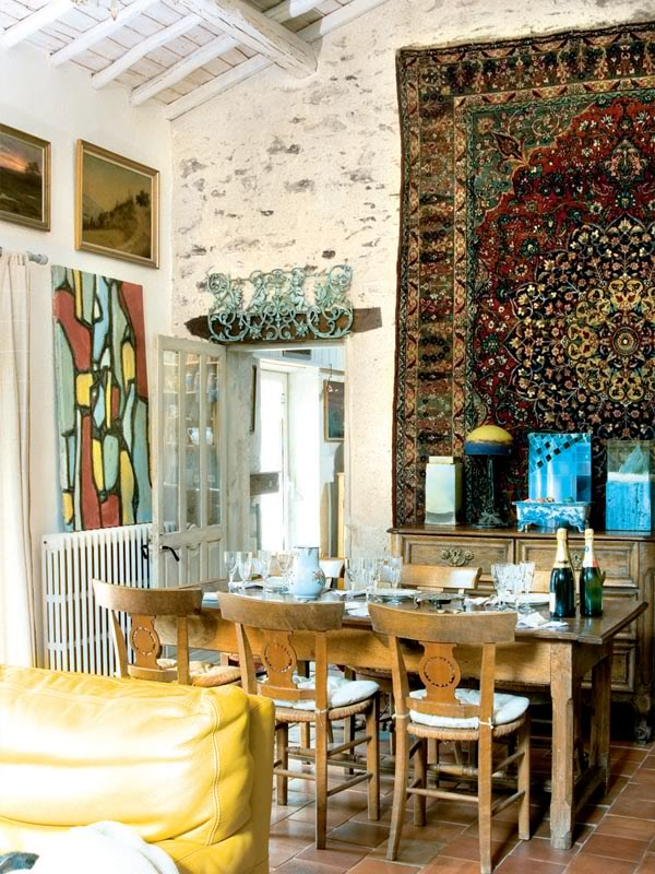 painted-interior-of-a-retro-house-in-france-9