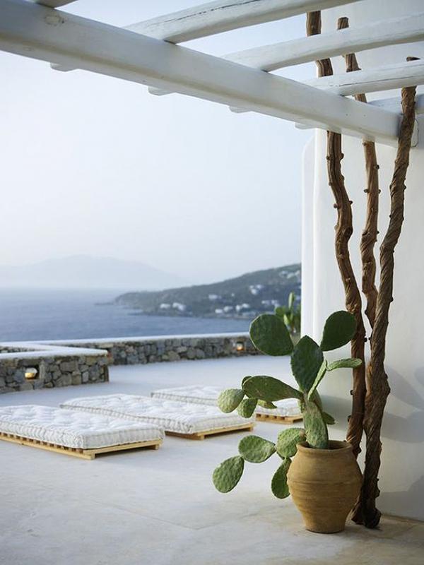 perfect-summer-getaway-at-this-mykonos-villa-1