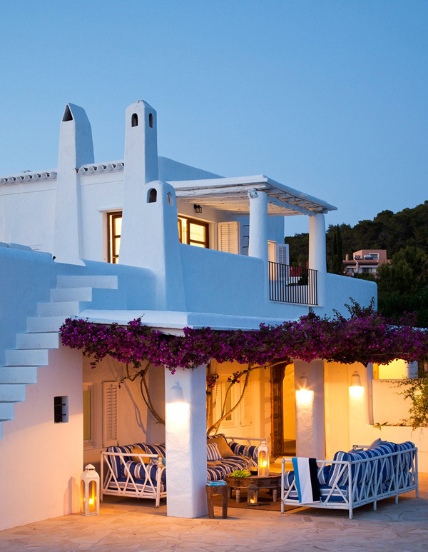 picture-perfect-on-the-beach-an-ibiza-house-1