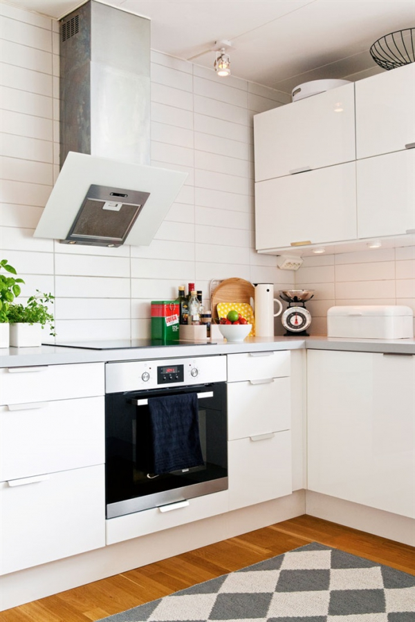 Decordots Kitchen: Pops Of Color Bring Life To Family Home
