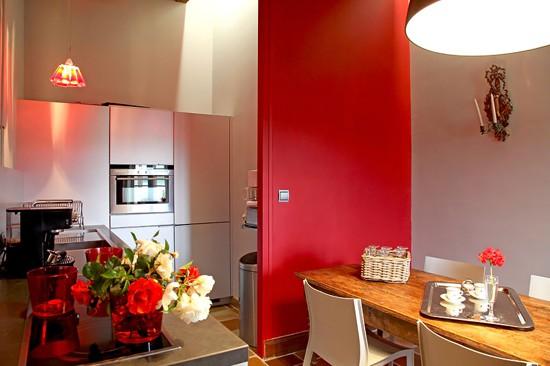 red-kitchen-designs-4