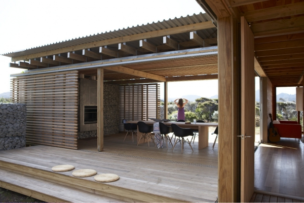 spacious wooden house (1)