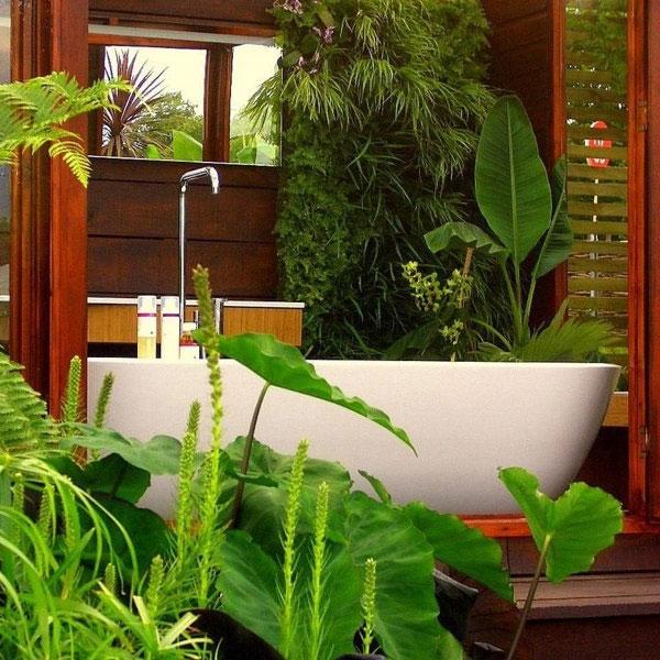 relax-in-a-garden-bathroom-4