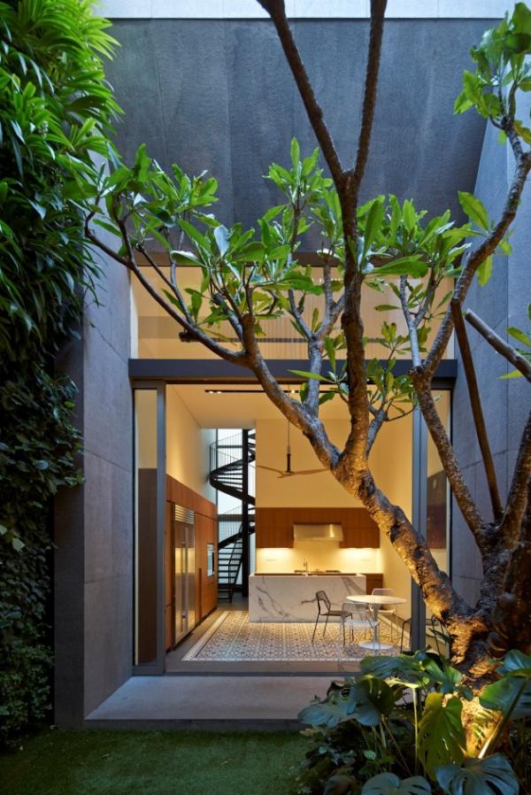 contemporary spacious home (13)