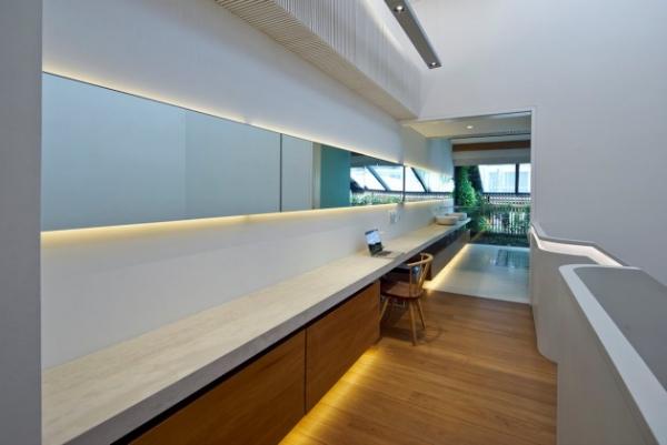 contemporary spacious home (8)
