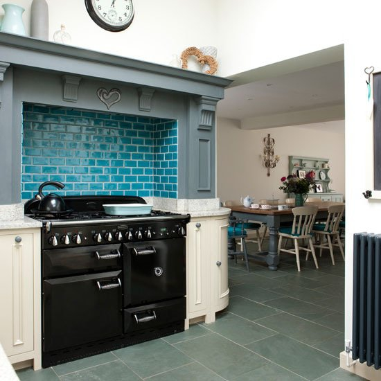 Restyle with retro kitchen tiles 7