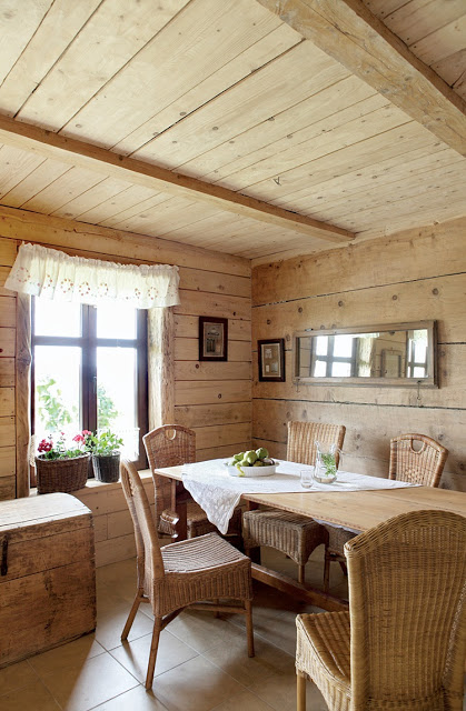romantic-wooden-cottage-4