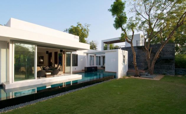 serenity-and-class-in-this-minimalist-bungalow-1