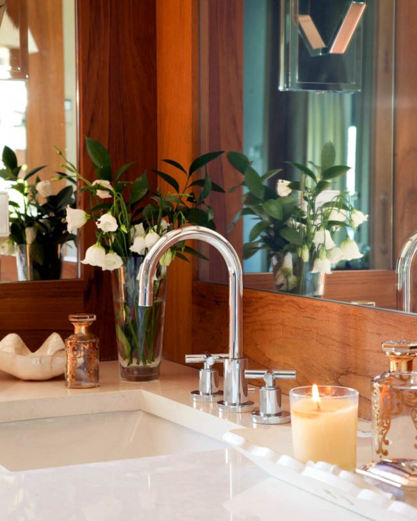 simple-and-beautiful-wood-bathroom-8