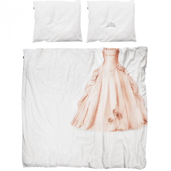 simple-but-cute-bedding-that-still-makes-a-fun-statement-1