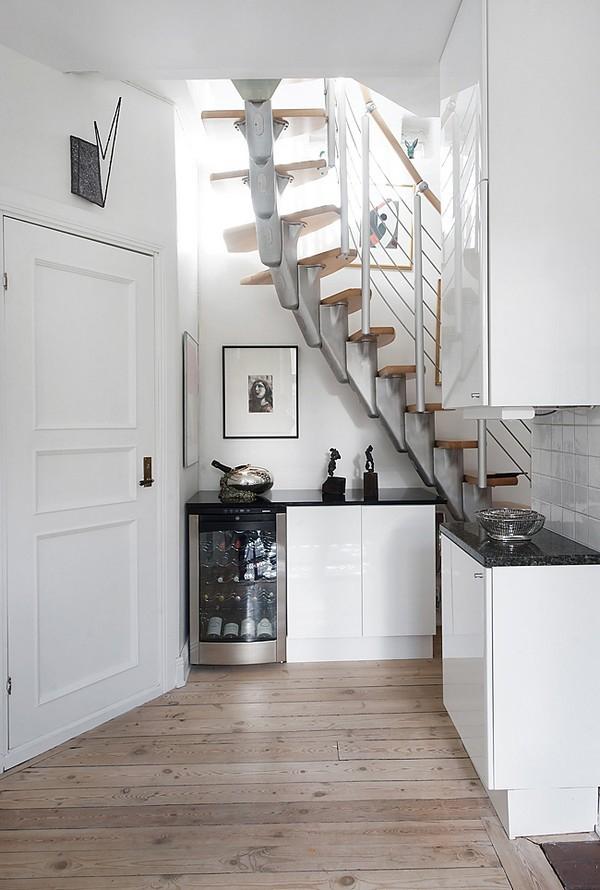 Simple scandinavian duplex apartment adorable home for Ouvrir une tremie pour escalier