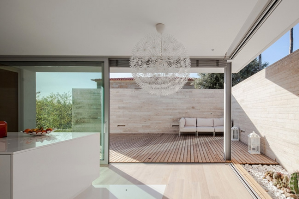 single-storey-house-in-portugal-will-blow-your-mind-1